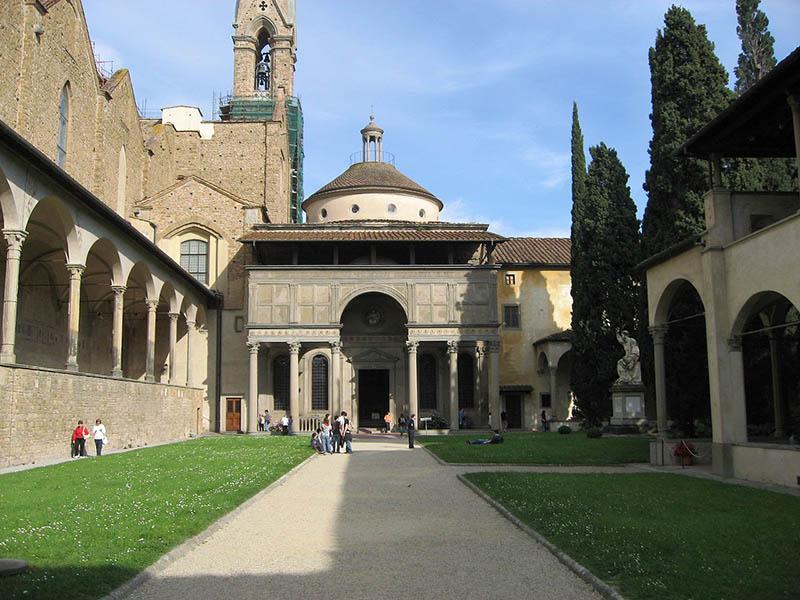 1280px-Pazzi_Chapel_Santa_Croce_Apr_2008_(3)