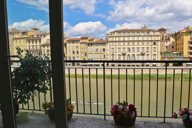 フィレンツェのアパート、ポンテヴェッキオテラス