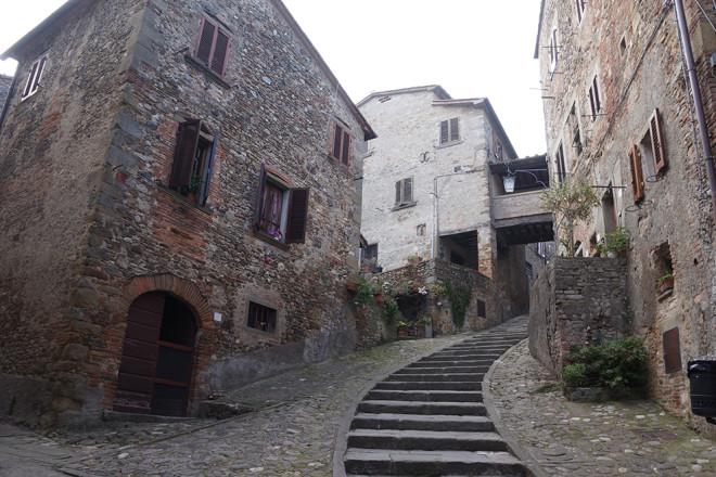 フィレンツェ発小さな村のワンデイトリップ