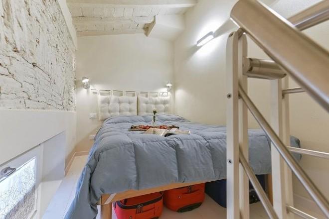 フィレンツェのアパート、コンティの寝室2
