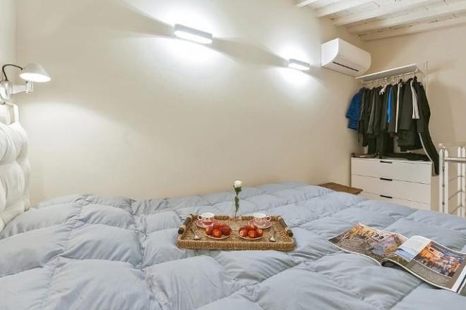 フィレンツェのアパート、コンティの寝室4
