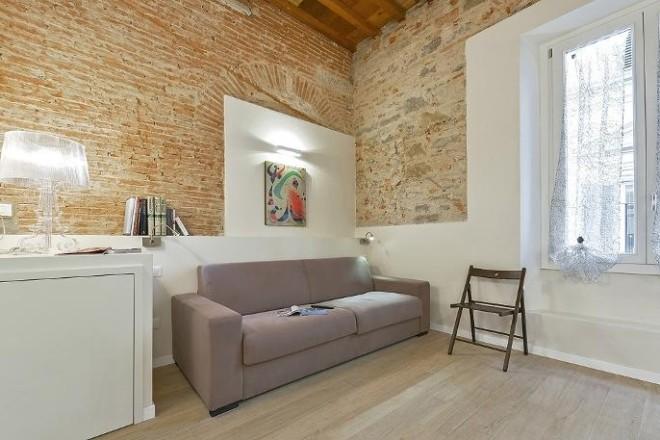 フィレンツェのアパート、コンティのリビング4