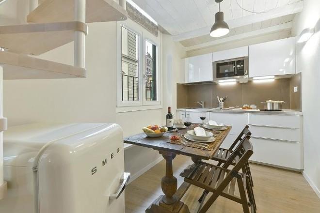フィレンツェのアパート、コンティのキッチン3
