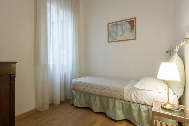 フィレンツェの滞在型アパート、アルノブリッジビューの寝室シングルタイプ