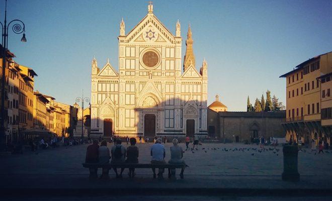フィレンツェのサンタクローチェ教会前