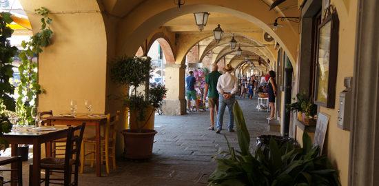 フィレンツェ発ワンデイトリップ グレーベインキャンティの回廊