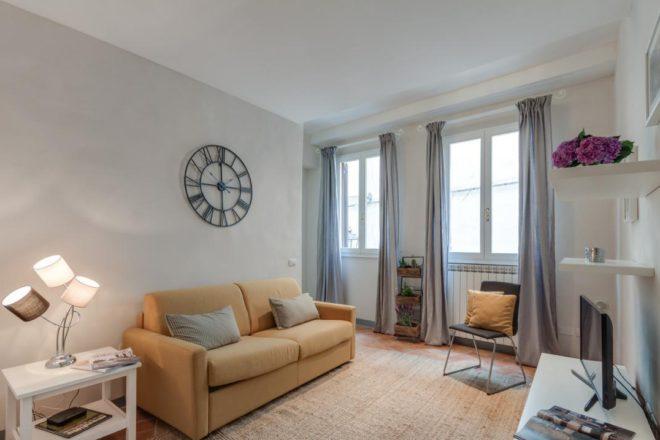 フィレンツェのアパート、トスカのリビング
