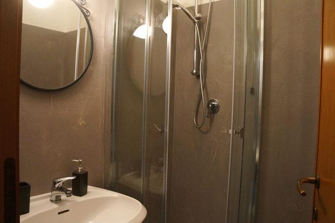 フィレンツェのアパート、フェデリギ浴室シャワー