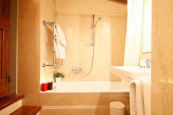 フィレンツェのアパート、ティエーポロのバスルーム