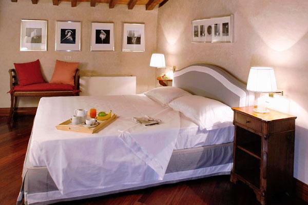フィレンツェのアパート、ティエーポロの寝室