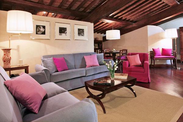 フィレンツェのアパート、ティエーポロのリビング