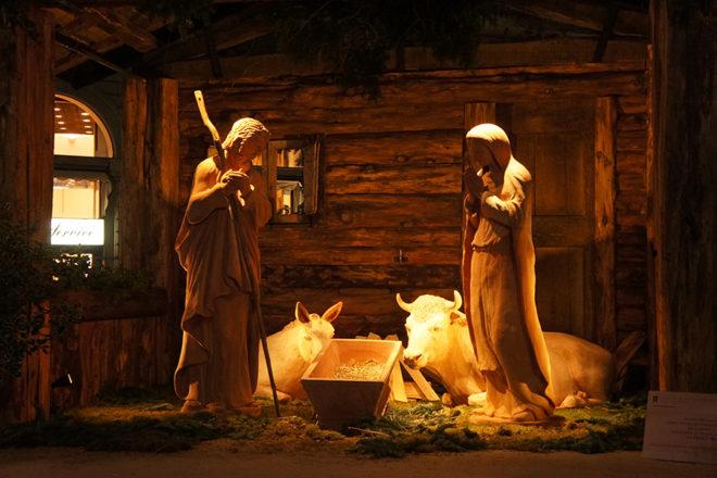 クリスマスのフィレンツェの大聖堂外観