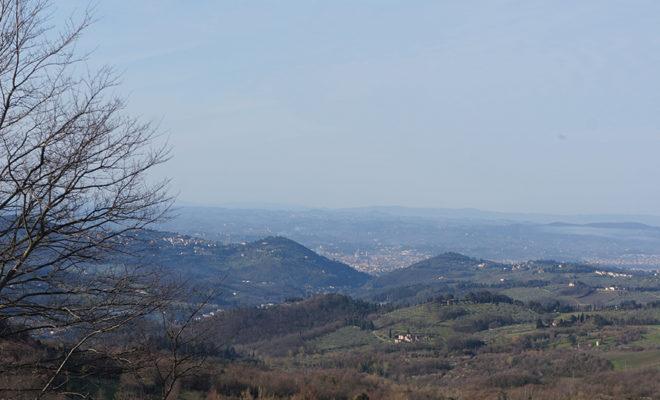 遠景から見たフィレンツェの街