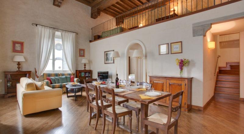 フィレンツェのアパート、サンタクローチェのリビング