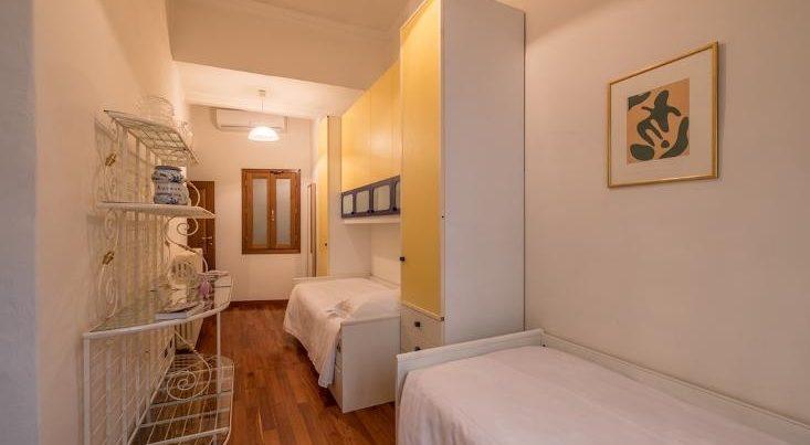 フィレンツェのアパート、シニョリーアビスタの寝室ツインタイプ