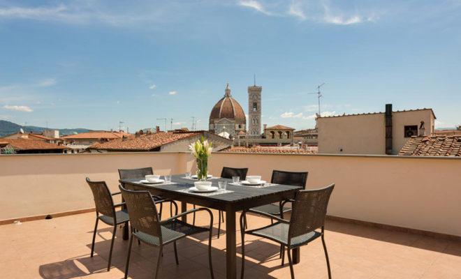 フィレンツェのアパート、トルナブオーニテラスのテラス