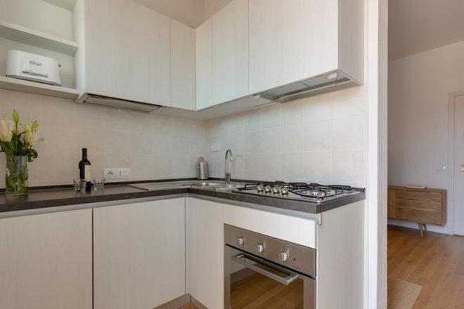 フィレンツェのアパート、トルナブオーニテラスのキッチン