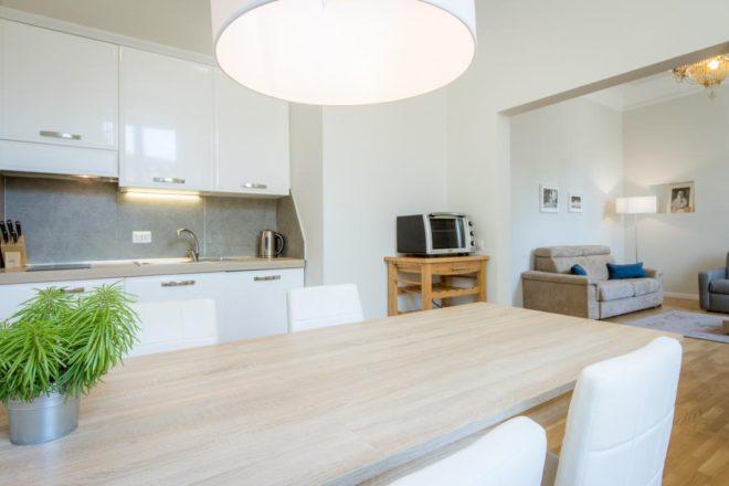 フィレンツェのアパート、レプッブリカのキッチン