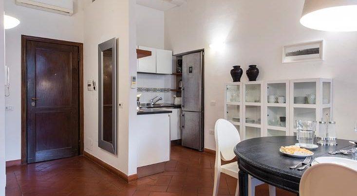 フィレンツェのアパート、テルメストゥーディオのダイニング