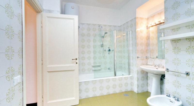 ローマの滞在型アパートカプラーニカの浴室