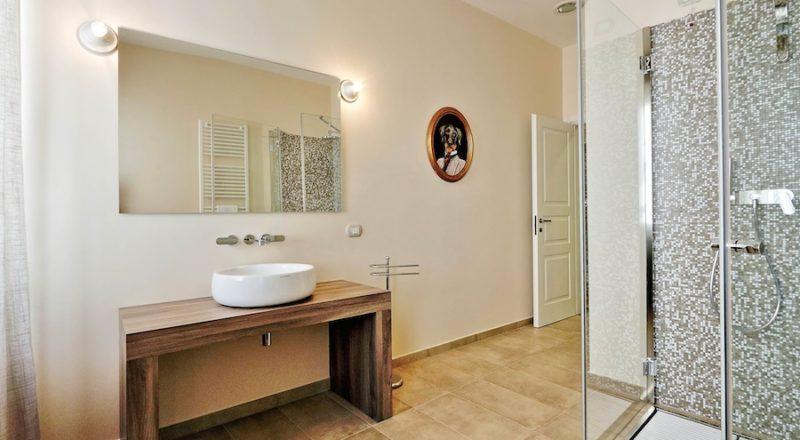 ローマの滞在型アパートバジリコの浴室